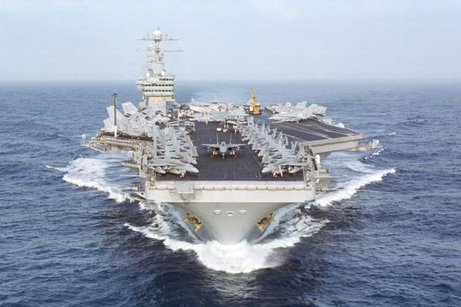 Tàu sân bay USS Dwight D. Eisenhower của Hải quân Mỹ
