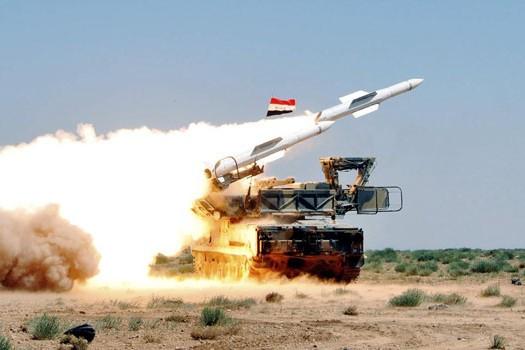Tên lửa phòng không Syria phá hủy vật thể bay bí ẩn ở Homs