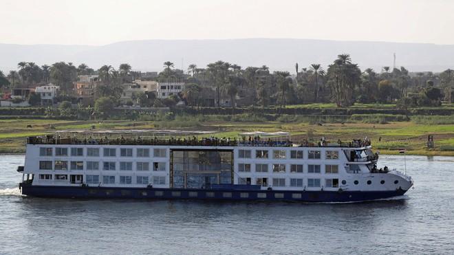 Phát hiện 45 người nhiễm Covid-19 trên tàu du lịch ở sông Nile