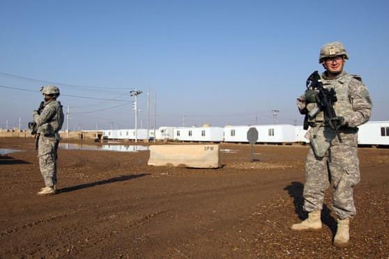 Binh sĩ Mỹ tại Trại Taji