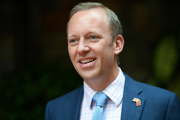 Đại sứ Anh tại Việt Nam, ông Gareth Ward