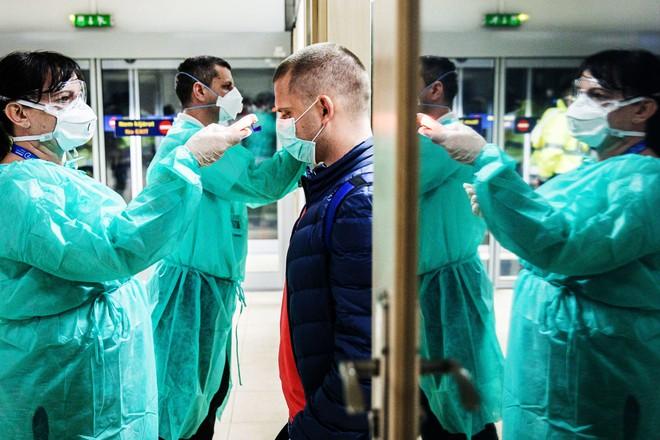 Châu Âu thử nghiệm lâm sàng thuốc chống virus Corona