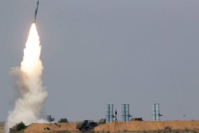 Tên lửa S-400 Nga khai hỏa