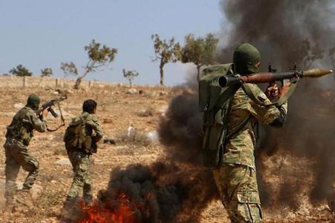 Phiến quân thân Thổ Nhĩ Kỳ nã đạn vào nhau ở Bắc Aleppo, Syria