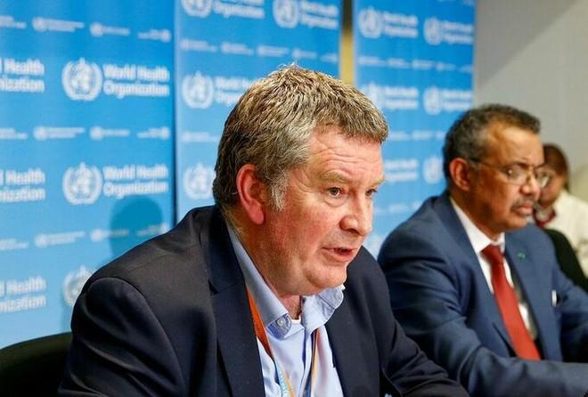 Tiến sĩ Mike Ryan, Giám đốc chương trình y tế khẩn cấp của WHO trong cuộc họp tại thành phố Geneva, Thụy Sĩ