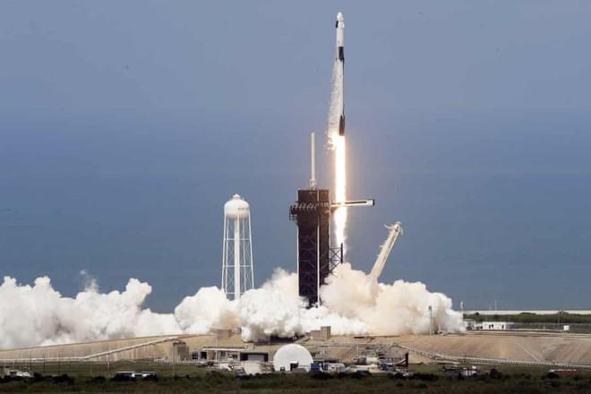 Vụ phóng tàu vũ trụ của SpaceX hôm 30-5