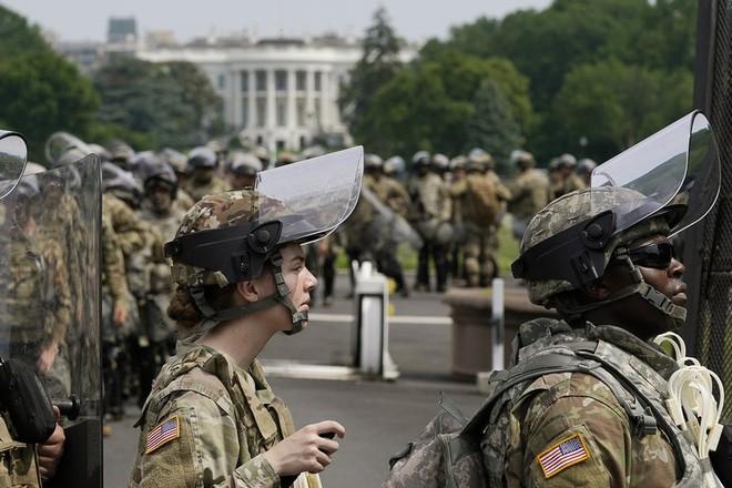 Khoảng 3.600 lính Vệ binh Quốc gia đã được triển khai tại Washington D.C chống bạo loạn