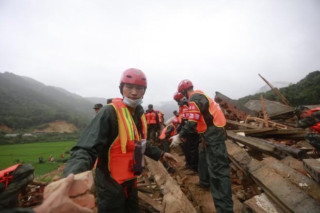 Hiện trường vụ lở đất