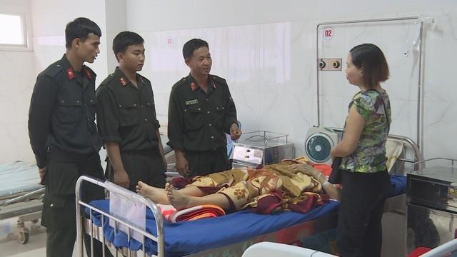 Các chiến sĩ CSCĐ Đắk Lắk nhanh chóng tới bệnh viện hiến máu cứu người. Ảnh: Dân Trí