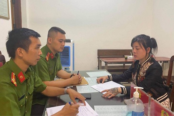 Cơ quan công an lấy lời khai của Huỳnh Thị Lan Anh