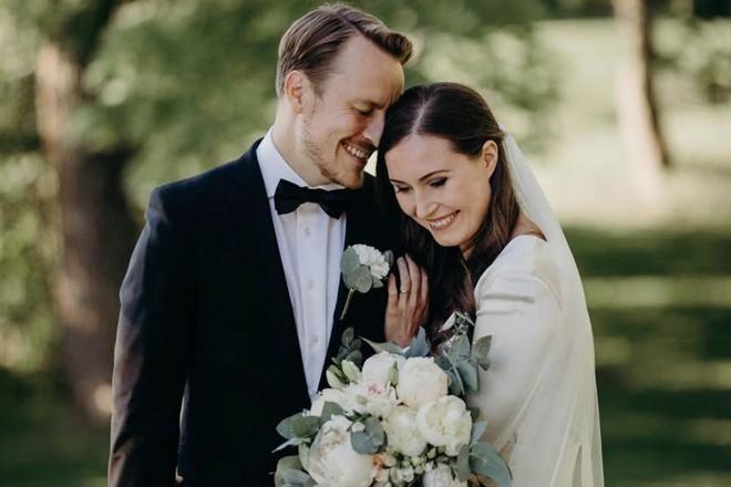 Ông Markus Raikkonen và bà Sanna Marin kết hôn sau 16 năm