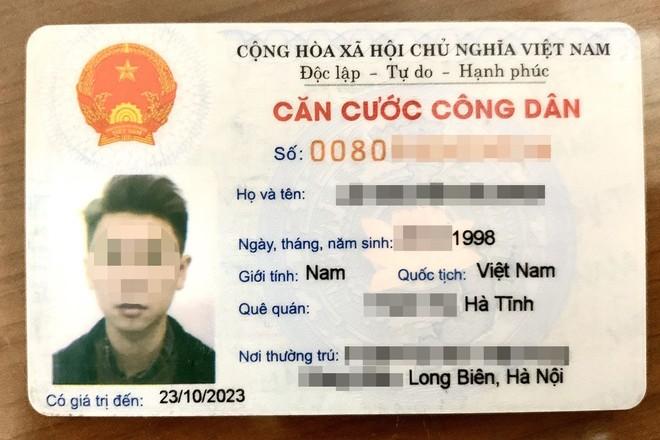 Thẻ căn cước công dân mã vạch đang được sử dụng. Ảnh: Zing