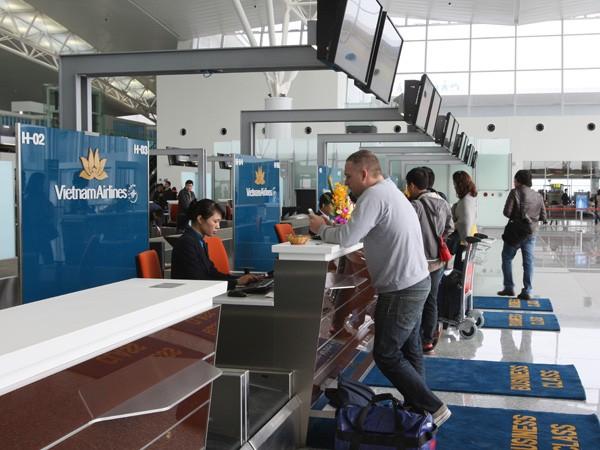 Nhà ga T2 Nội Bài đón chuyến bay đầu tiên ảnh 1