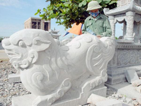 Tiếp tục di dời sư tử đá ngoại lai ra khỏi di tích: Cần đồng thuận vì vẻ đẹp thuần Việt ảnh 1