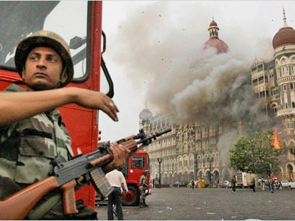 """Al-Qaeda nhiều năm """"ủ mưu"""" sát hại các họa sỹ biếm họa ảnh 1"""