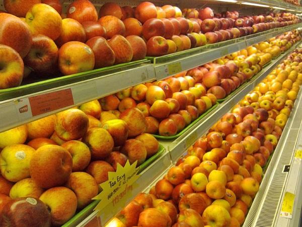 Người tiêu dùng e ngại, táo nhập khẩu liêu xiêu ảnh 1