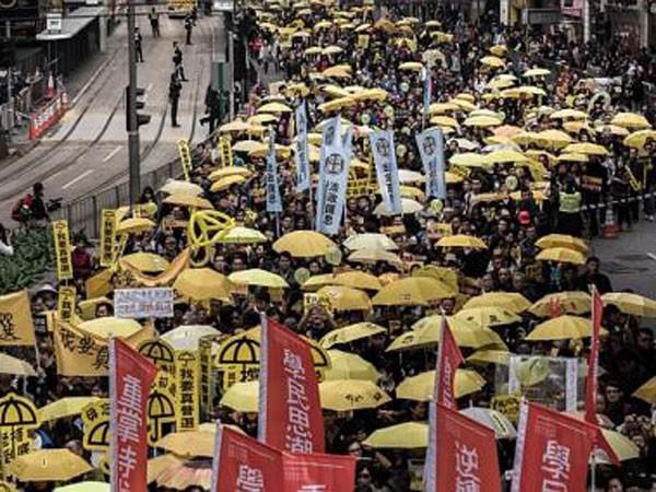 Người Hồng Kông lại xuống đường ảnh 1