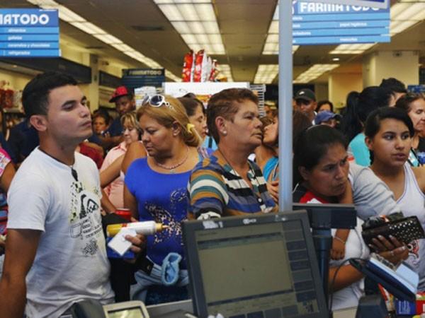 Venezuela: Giá bao cao su bằng giá iPhone 6 ảnh 1