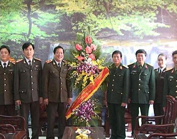 Chúc mừng các y, bác sỹ nhân kỷ niệm 60 năm ngày Thầy thuốc Việt Nam ảnh 2