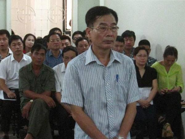 Cựu Chi cục trưởng thi hành án tiếp tục hầu tòa ảnh 1