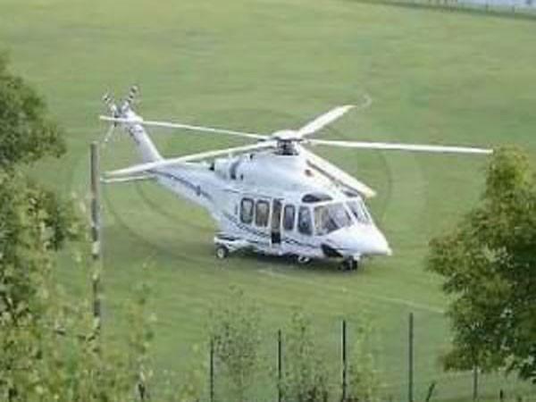 Trực thăng chở Thủ tướng Italia phải hạ cánh khẩn cấp ảnh 1