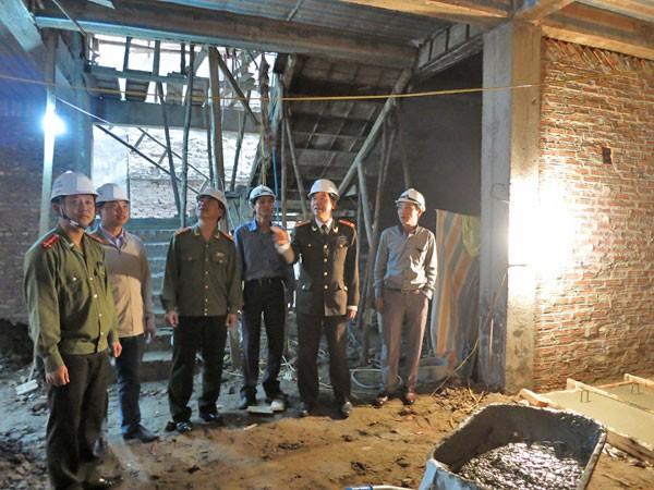 Cán bộ chiến sỹ Ban QLDA xây dựng ngày đêm đôn đốc, theo dõi tiến độ thi công công trình