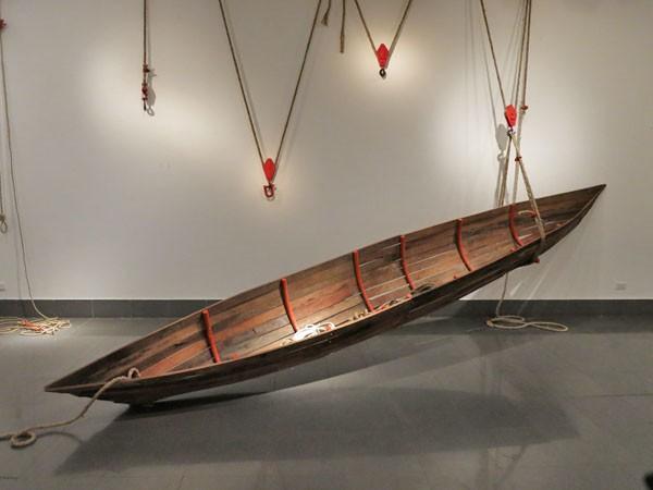 Những con thuyền vượt sóng gió để sinh tồn ảnh 1