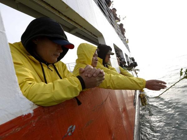 Hàn Quốc tưởng niệm 1 năm thảm kịch chìm phà Sewol ảnh 1