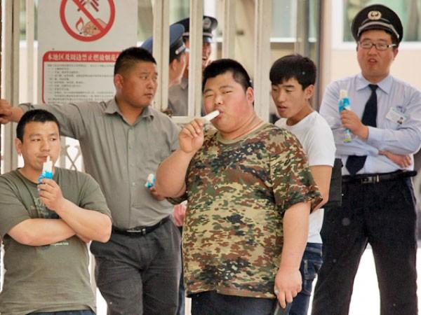 """Trung Quốc: """"Mafia chân gỗ"""" lộng hành ảnh 1"""