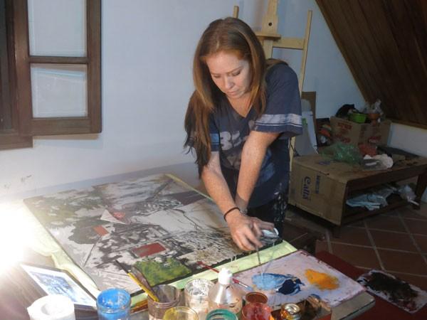 Một người Mỹ đưa phụ nữ Việt lên tranh sơn mài ảnh 1