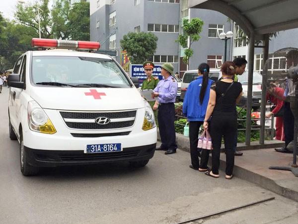 Thuê phải xe cứu thương giả: Mất tiền, mất cả an toàn ảnh 2