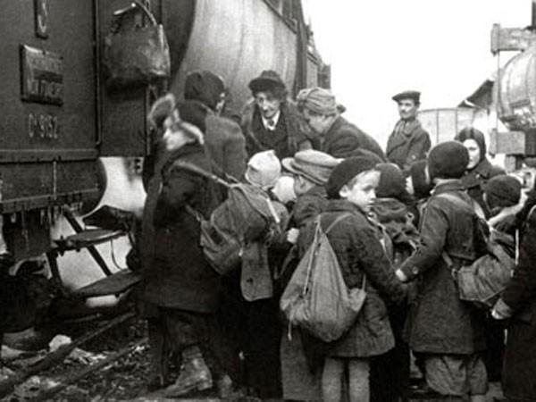 Người hùng âm thầm giải cứu 669 trẻ em Do Thái ảnh 1