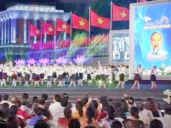 """Cầu truyền hình """"Hoài bão Hồ Chí Minh"""": Sâu lắng và xúc động! ảnh 1"""