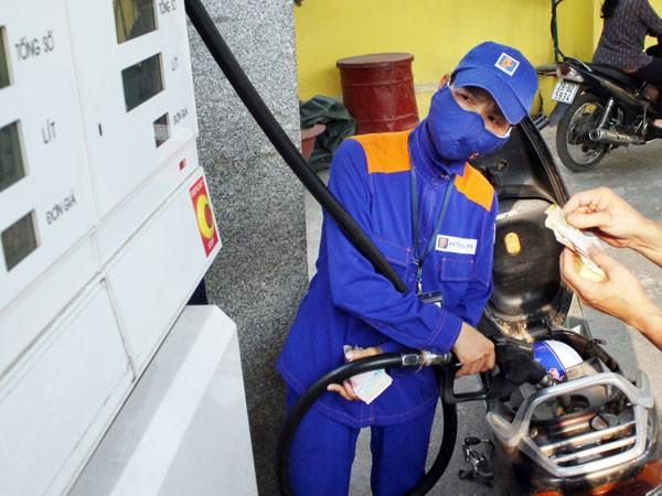 Xem xét điều chỉnh giá xăng dầu ảnh 1