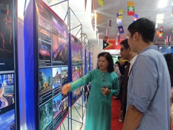 ASEAN - 48 năm hòa bình và phát triển ảnh 1