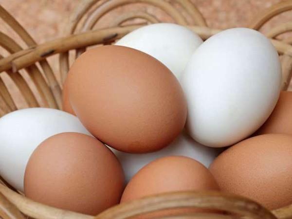 Trứng màu nâu tốt hơn trứng trắng? ảnh 1