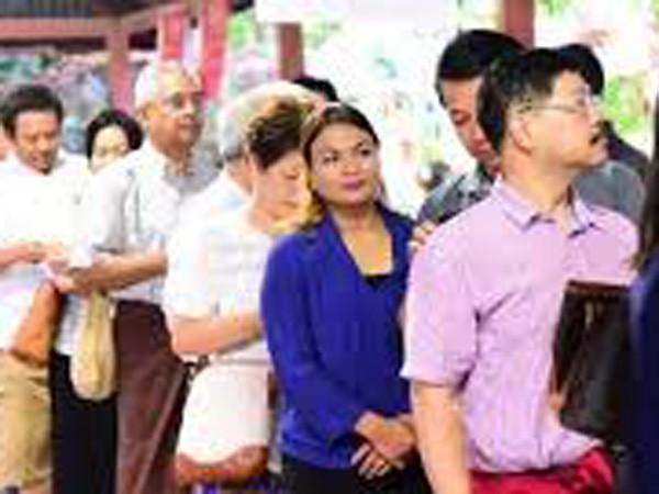 Cử tri Myanmar bầu cử trong yên bình ảnh 1