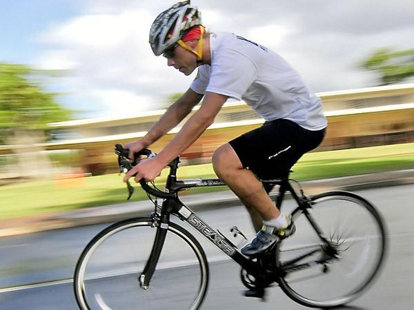 Đi xe đạp giảm bớt triệu chứng bệnh Parkinson ảnh 1