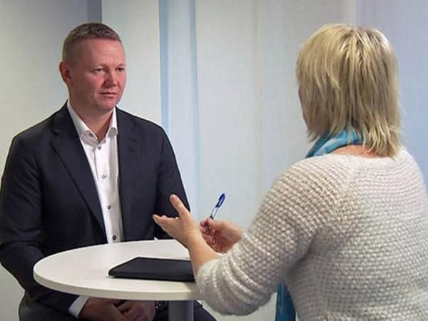 """Chính trị gia Na Uy bị gài bẫy bằng """"gái và vodka"""" Nga ảnh 1"""