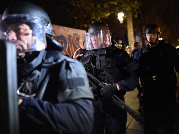 Phát hiện bệ phóng tên lửa tại nhà nghi can khủng bố Paris ảnh 1