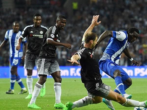 Lượt trận cuối vòng bảng Champions League: Kịch tính tới phút cuối cùng ảnh 1