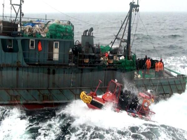 Hải quân Hàn Quốc bắn cảnh cáo tàu tuần tra Trung Quốc ảnh 1