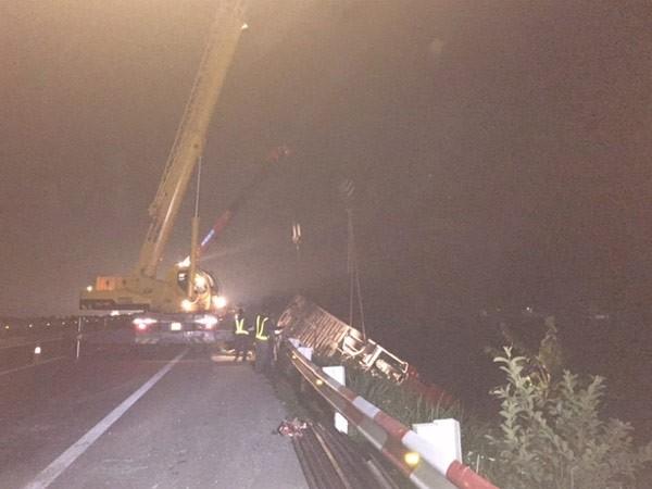 Vụ xe khách đâm xe tải trên cao tốc Pháp Vân - Cầu Giẽ: Không xe nào chạy quá tốc độ? ảnh 1