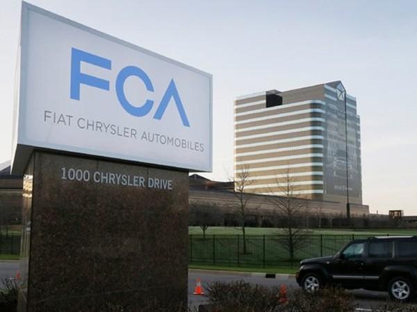 Hãng Fiat Chrysler nộp phạt 70 triệu USD do không kịp thời cảnh báo tai nạn ảnh 1