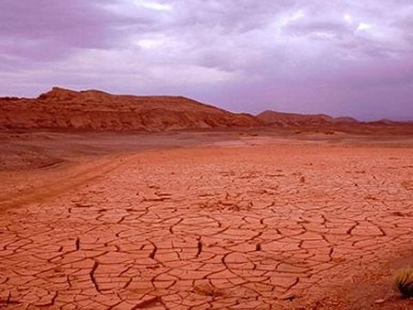 Xây thủy điện trên sa mạc khô cằn nhất thế giới ảnh 1