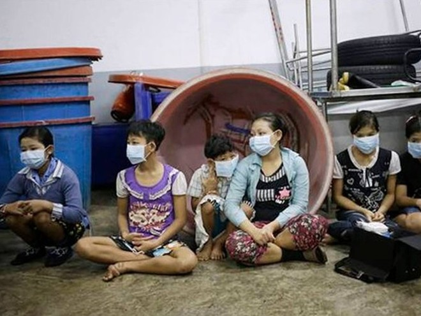 Thân phận nhọc nhằn ở những xưởng tôm công nghiệp Thái Lan ảnh 1