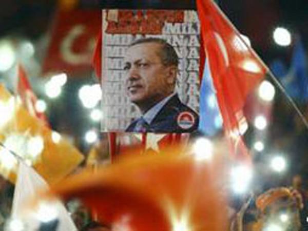 """Tổng thống Thổ Nhĩ Kỳ và mối quan hệ """"sóng gió"""" với mạng xã hội Twitter ảnh 1"""