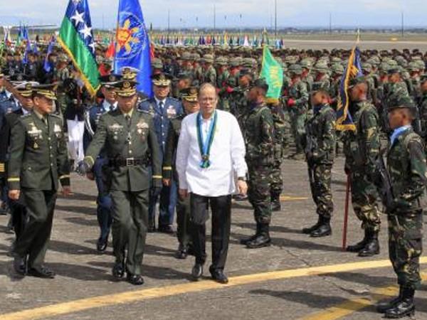 Tổng thống Philippines cam kết xây dựng quân đội hùng mạnh ảnh 1