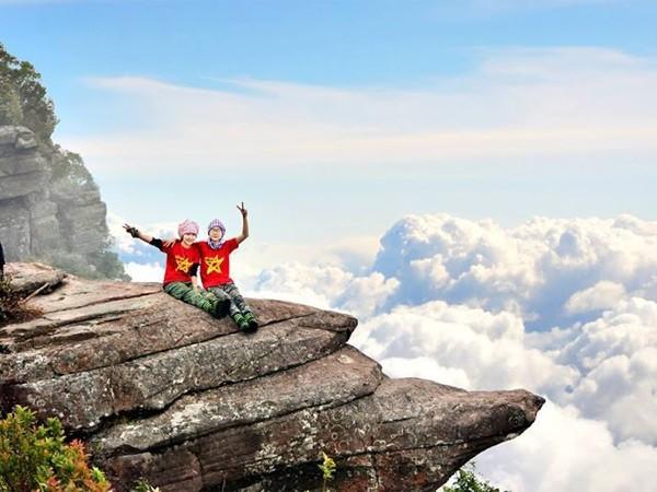Nghỉ Tết Dương lịch: Du lịch leo núi, săn mây ảnh 1