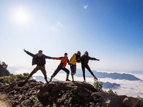 Nghỉ Tết Dương lịch: Du lịch leo núi, săn mây ảnh 2
